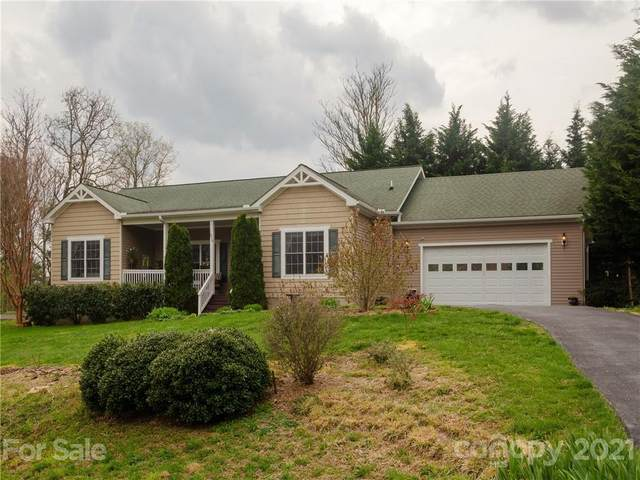 319 Hidden Meadow Drive, Hendersonville, NC 28792 (#3725749) :: MartinGroup Properties