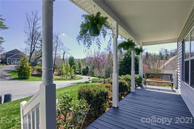 481 Kanuga Forest Drive, Hendersonville, NC 28739 (#3725808) :: Stephen Cooley Real Estate Group