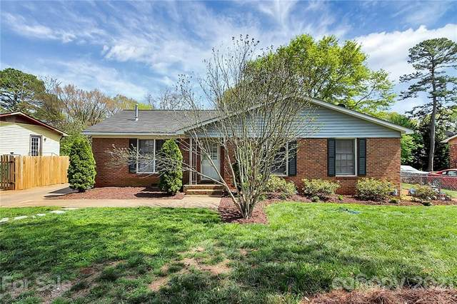 421 Colony Acres Drive, Charlotte, NC 28217 (#3725942) :: Odell Realty