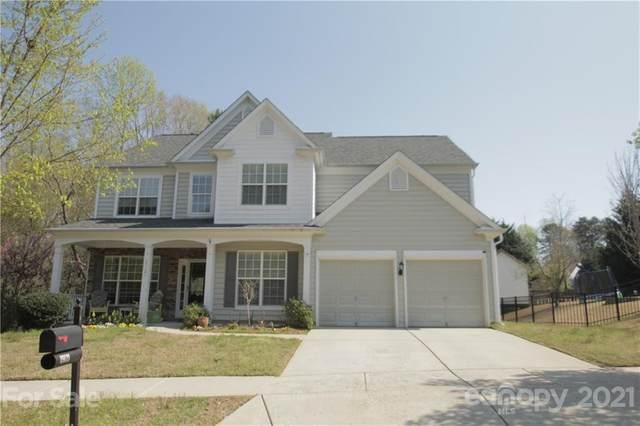 19121 Harbor Cove Lane, Cornelius, NC 28031 (#3725944) :: The Ordan Reider Group at Allen Tate