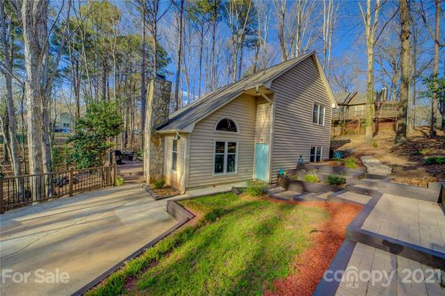 2121 Bon Villa Way, Tega Cay, SC 29708 (#3726106) :: Lake Wylie Realty