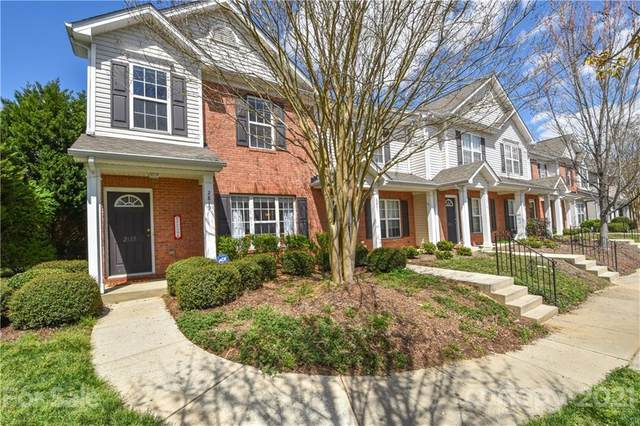 2815 Summergrove Court #220, Matthews, NC 28105 (#3726251) :: Stephen Cooley Real Estate Group