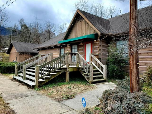 18769 Great Smoky Mountain Expressway, Waynesville, NC 28786 (#3726381) :: Homes Charlotte