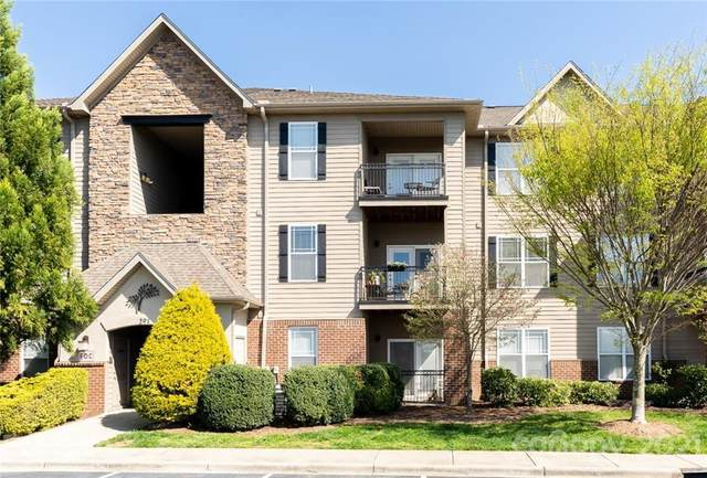 291 Brickton Village Circle #204, Fletcher, NC 28732 (#3726850) :: Homes with Keeley | RE/MAX Executive