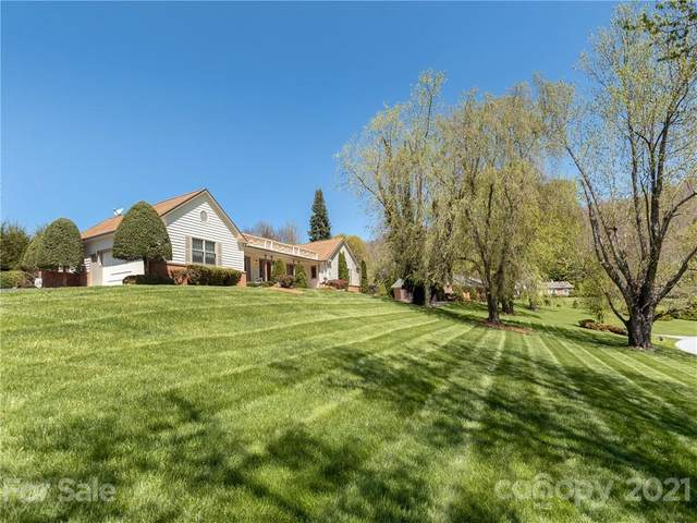 212 Hawthorn Drive, Hendersonville, NC 28791 (#3727366) :: Besecker Homes Team