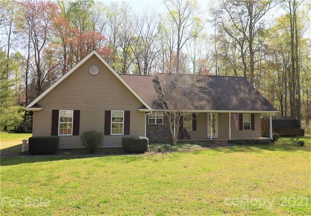 156 Hunters Trail, Tryon, NC 28782 (#3727548) :: The Ordan Reider Group at Allen Tate