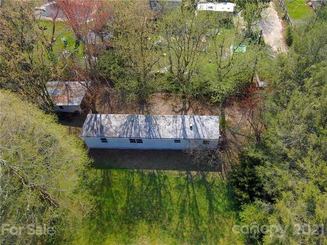 209 Walker Street, East Flat Rock, NC 28726 (#3727560) :: Carlyle Properties