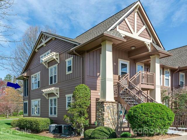 902 Deermouse Way, Hendersonville, NC 28792 (#3727818) :: NC Mountain Brokers, LLC