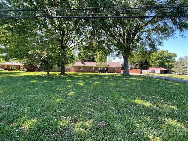 2740 Charlotte Highway, Mooresville, NC 28117 (#3728014) :: LePage Johnson Realty Group, LLC
