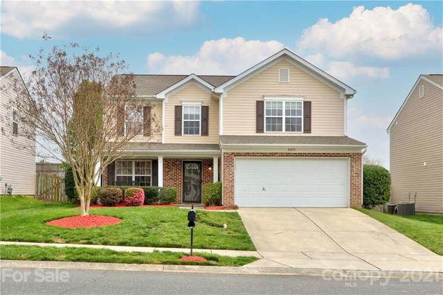4831 Stowe Derby Drive, Charlotte, NC 28278 (#3728362) :: Home and Key Realty