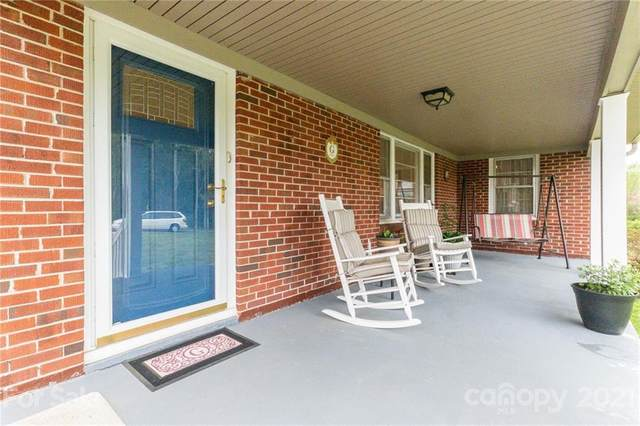 2042 Country Court, Rock Hill, SC 29732 (#3728474) :: Lake Norman Property Advisors