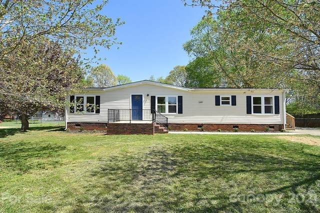331 Quail Pointe Drive, Salisbury, NC 28147 (#3728704) :: Lake Wylie Realty