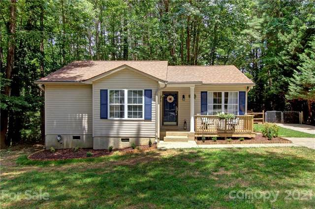 123 Greentree Drive, Mooresville, NC 28117 (#3728819) :: The Mitchell Team