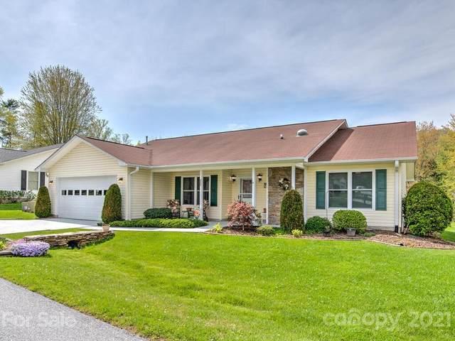 522 Woodfield Lane, Hendersonville, NC 28791 (#3729068) :: BluAxis Realty