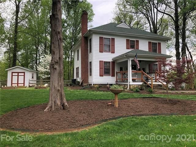 8511 Beatties Ford Road, Charlotte, NC 28216 (#3729237) :: Lake Norman Property Advisors