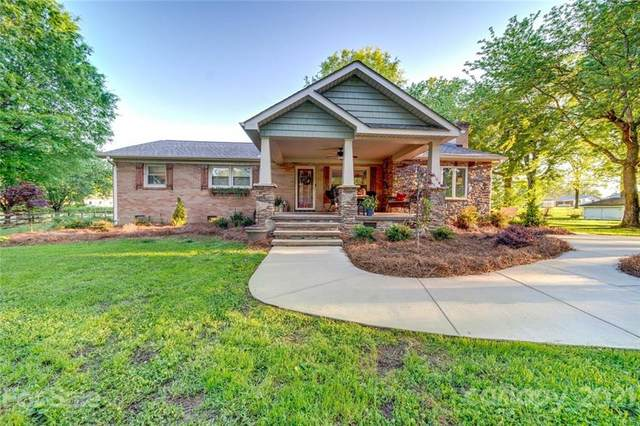 811 Allen Drive, Marshville, NC 28103 (#3729308) :: The Ordan Reider Group at Allen Tate