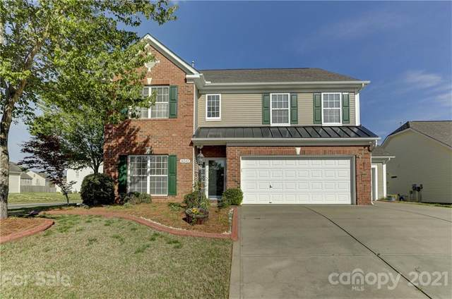 14242 Lake Crossing Drive, Charlotte, NC 28278 (#3729364) :: Ann Rudd Group