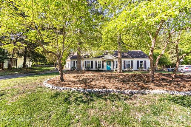 7440 Crowflock Court, Charlotte, NC 28226 (#3729804) :: The Premier Team at RE/MAX Executive Realty