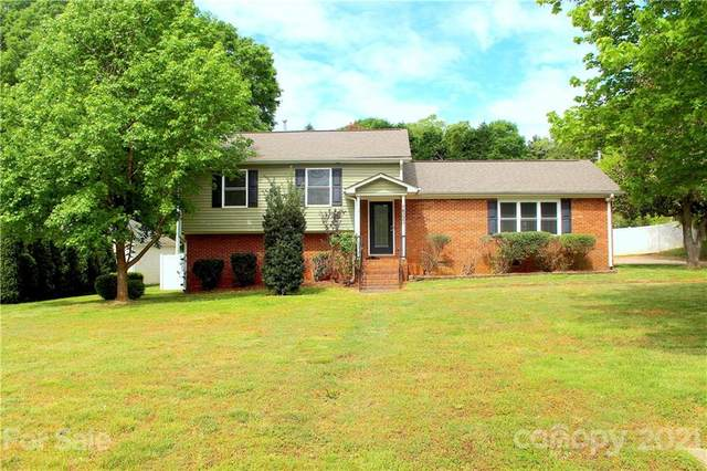 14225 Springwater Drive, Matthews, NC 28105 (#3729942) :: Premier Realty NC