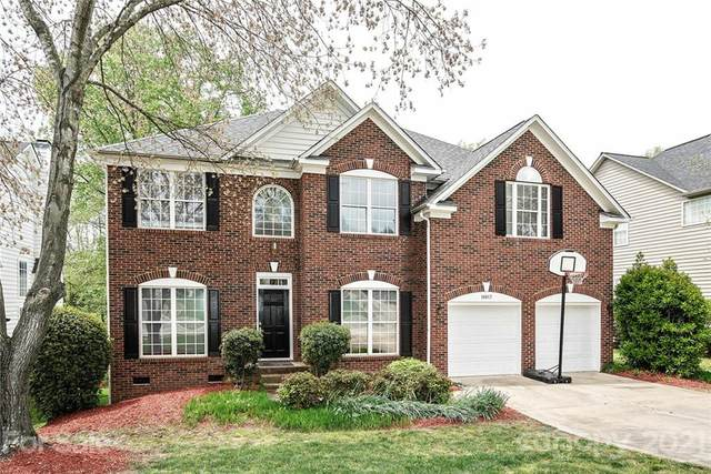 16017 Hollingbourne Road, Huntersville, NC 28078 (#3729968) :: Scarlett Property Group