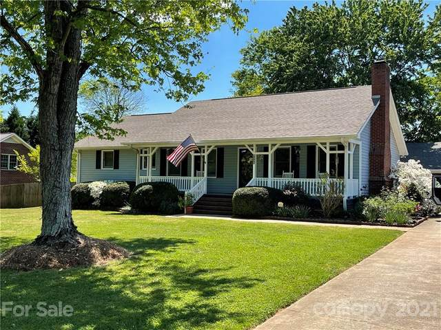 4511 Oak Drive, Charlotte, NC 28269 (#3730292) :: Bigach2Follow with Keller Williams Realty