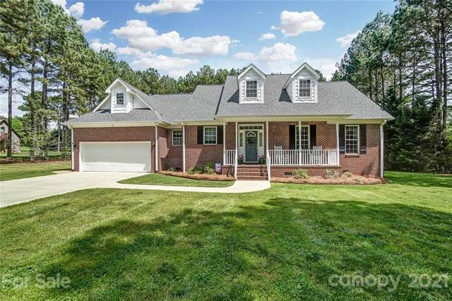 5252 Lake Wylie Road, Lake Wylie, SC 29710 (#3730402) :: LePage Johnson Realty Group, LLC