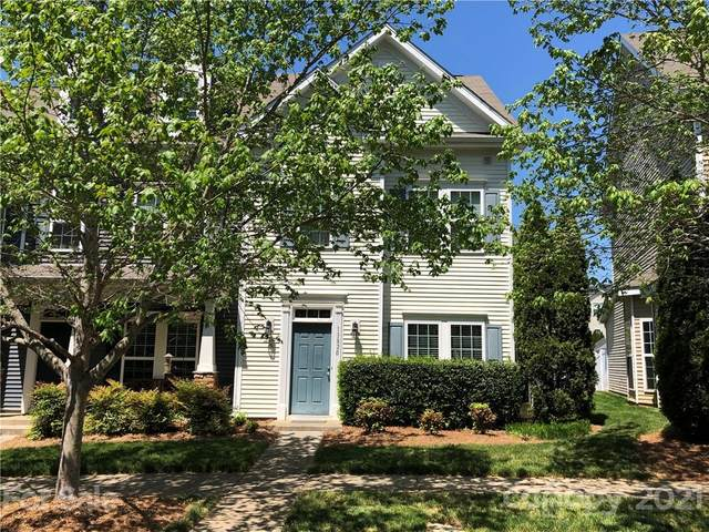13820 Cypress Woods Drive, Huntersville, NC 28078 (#3730590) :: The Mitchell Team