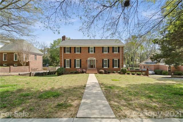 4301 Quail View Road, Charlotte, NC 28226 (#3730904) :: Austin Barnett Realty, LLC