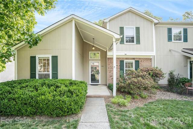 11115 Sevilla Court, Charlotte, NC 28226 (#3731705) :: Stephen Cooley Real Estate Group
