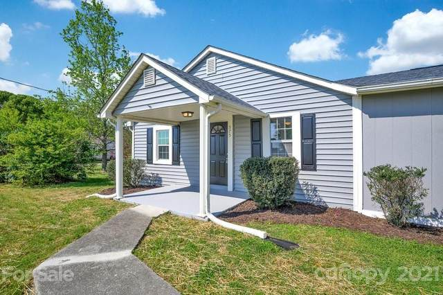975 Farmington Road, Mocksville, NC 27028 (#3732093) :: The Ordan Reider Group at Allen Tate