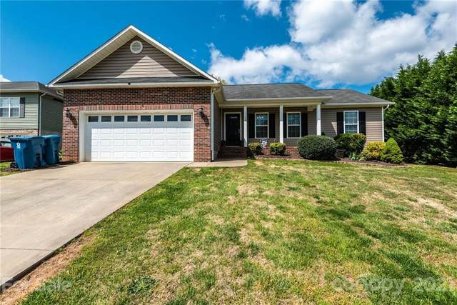 217 Pine Meadows Circle, Hickory, NC 28601 (#3732363) :: The Ordan Reider Group at Allen Tate