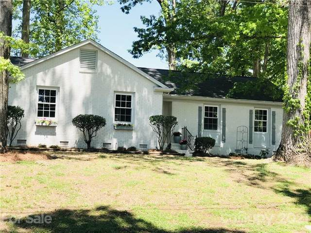 5831 Ruth Drive, Charlotte, NC 28215 (#3733552) :: Rowena Patton's All-Star Powerhouse