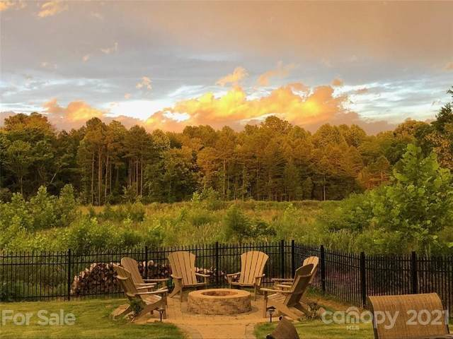 15202 Colonial Park Drive, Huntersville, NC 28078 (#3733967) :: LKN Elite Realty Group | eXp Realty