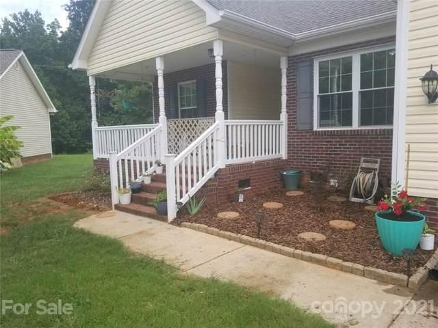 307 Lone Tree Lane, Clover, SC 29710 (#3734423) :: Besecker Homes Team