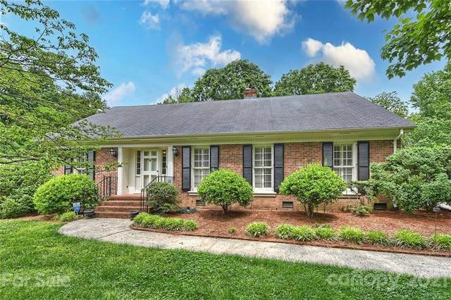 5943 Brace Road, Charlotte, NC 28211 (#3734468) :: Stephen Cooley Real Estate Group