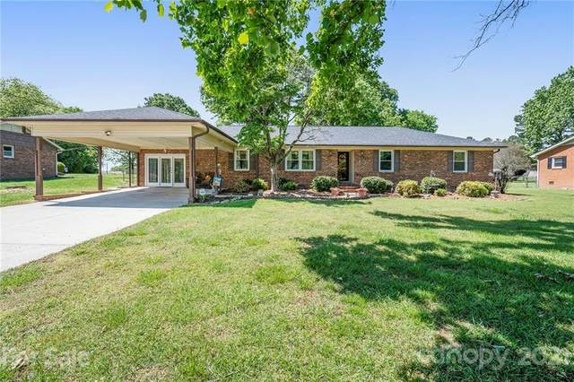 6515 Lynwood Drive, Concord, NC 28027 (#3734758) :: Carlyle Properties