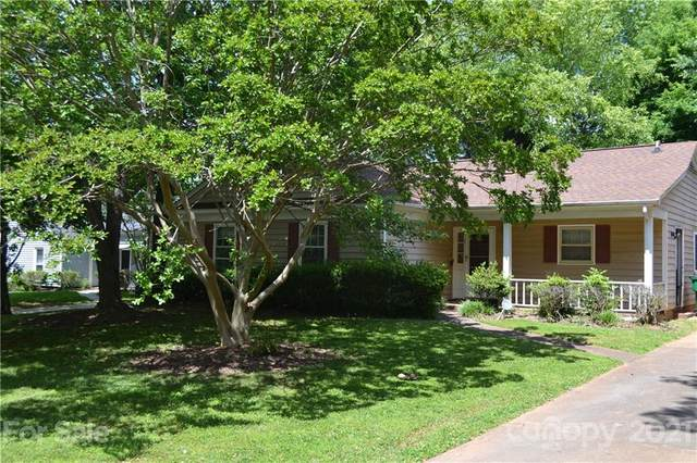 5534 Doverstone Court, Charlotte, NC 28208 (#3735522) :: Sandi Sacco | eXp Realty