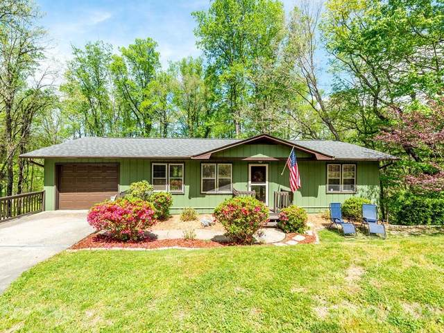 823 Sylvan Boulevard, Hendersonville, NC 28791 (#3735549) :: Home and Key Realty
