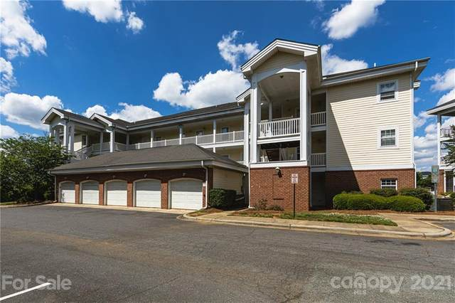 8911 Meadow Vista Road, Charlotte, NC 28213 (#3735612) :: Homes with Keeley | RE/MAX Executive