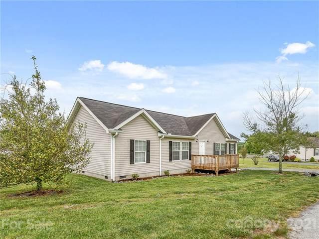 15 Nobies Way, Hendersonville, NC 28792 (#3736122) :: Carver Pressley, REALTORS®