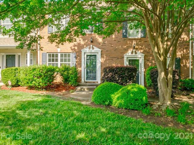 5319 Glenlea Walk Lane, Charlotte, NC 28216 (#3736474) :: Rowena Patton's All-Star Powerhouse