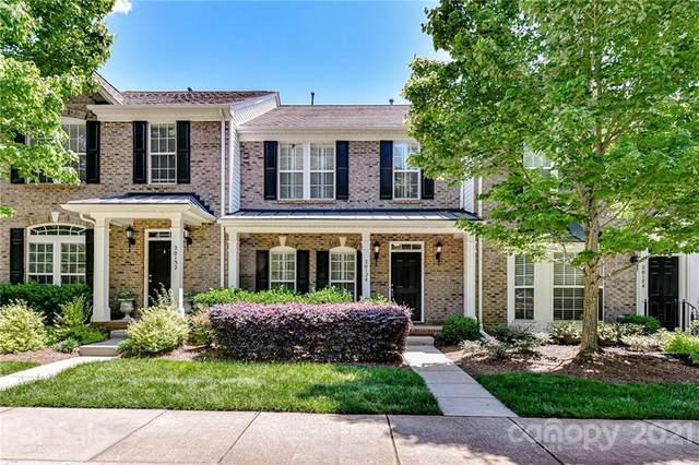 20128 Amy Lee Drive, Cornelius, NC 28031 (#3736800) :: Cloninger Properties