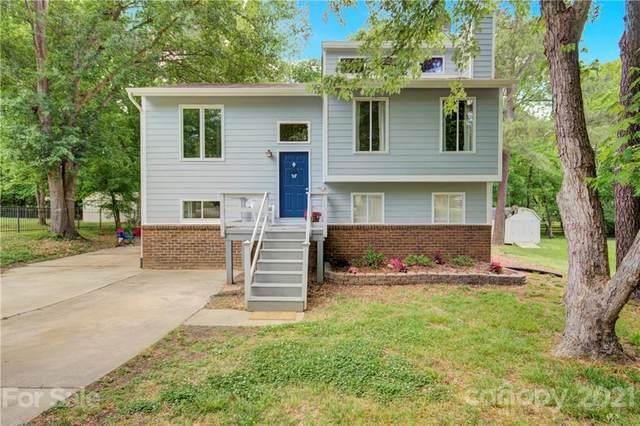 11817 Carmel Lakes Drive, Charlotte, NC 28226 (#3737029) :: Johnson Property Group - Keller Williams