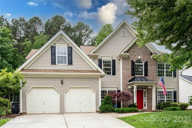 16223 Grafham Circle, Huntersville, NC 28078 (#3737032) :: Rowena Patton's All-Star Powerhouse