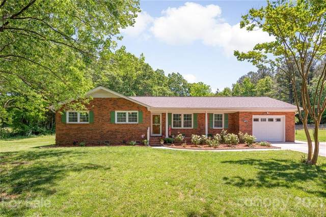2375 Old Cedarwood Drive NW, Concord, NC 28027 (#3737087) :: Homes with Keeley | RE/MAX Executive