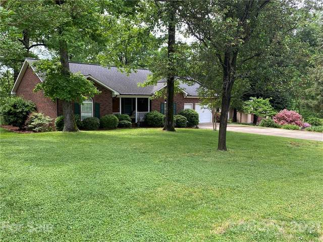 7515 Golf Course Drive, Denver, NC 28037 (#3737709) :: The Premier Team at RE/MAX Executive Realty