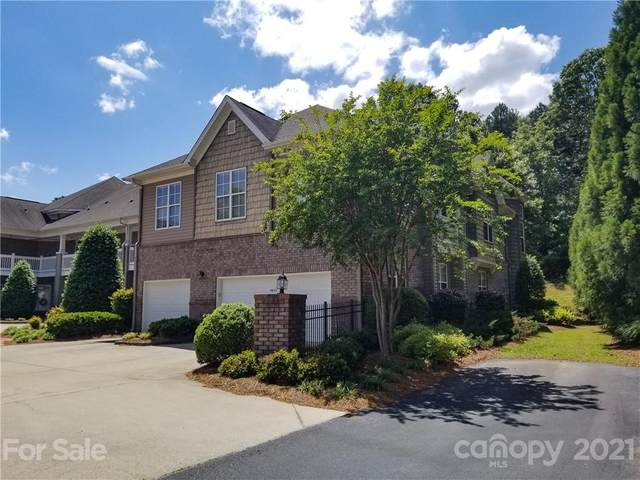 8669 Edinburgh Square Drive, Cornelius, NC 28031 (#3737944) :: Puma & Associates Realty Inc.