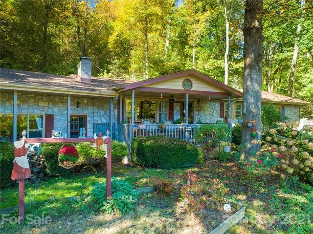 1589 Country Club Drive, Maggie Valley, NC 28751 (#3738111) :: BluAxis Realty