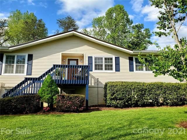 1016 Prestonwood Drive, Hendersonville, NC 28739 (#3738382) :: Carlyle Properties