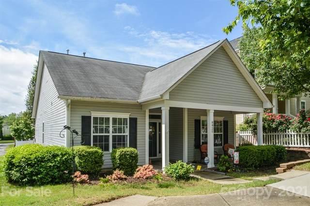 8820 Arrowhead Place Lane, Cornelius, NC 28031 (#3738659) :: Burton Real Estate Group
